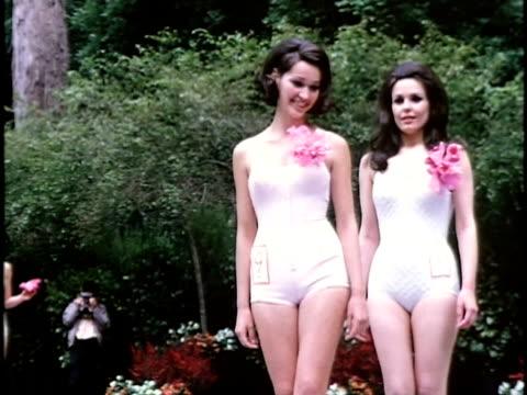 stockvideo's en b-roll-footage met 1960s row of women at outdoor beauty contest, san francisco, california, usa - spelkandidaat