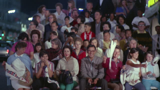 vídeos y material grabado en eventos de stock de 1960s ms television show audience, hollywood, california, usa - grupo grande de personas