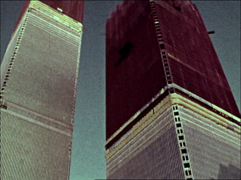 1970s td both world trade center towers under construction / new york city - anno 1975 video stock e b–roll