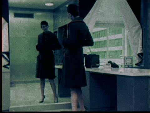 1970s geoffrey beene fashions - 1971 stock-videos und b-roll-filmmaterial