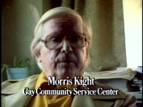 vídeos de stock, filmes e b-roll de 1970s cu senior man talking about homosexuals los angeles california usa audio - cabelo branco