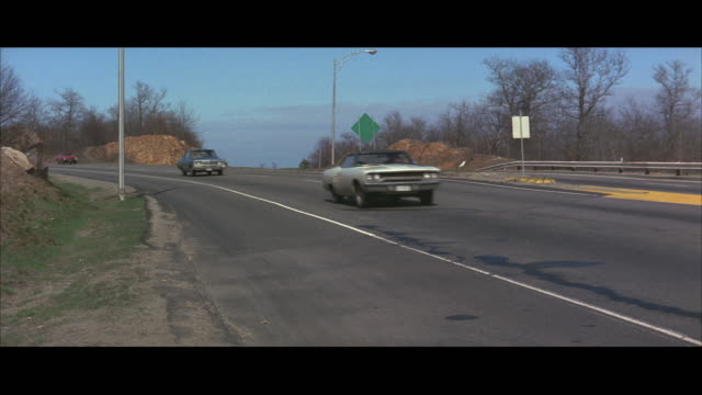 1970s ws traffic on highway - 1970 stock-videos und b-roll-filmmaterial