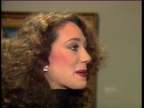 vidéos et rushes de 1980s montage celebrities at premiere including michael york and betsy bloomingdale / los angeles california usa - cérémonie