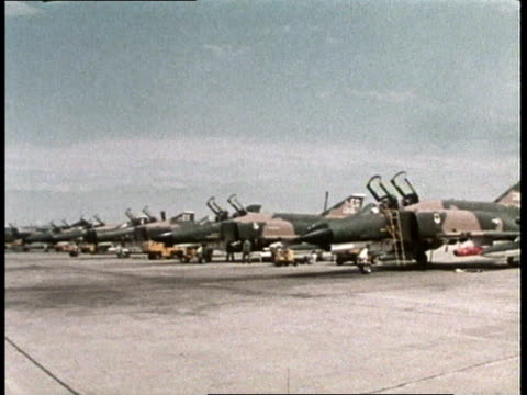 1980s montage crews boarding fighter jets / mcconnell afb, wichita, kansas, united states - wichita stock-videos und b-roll-filmmaterial
