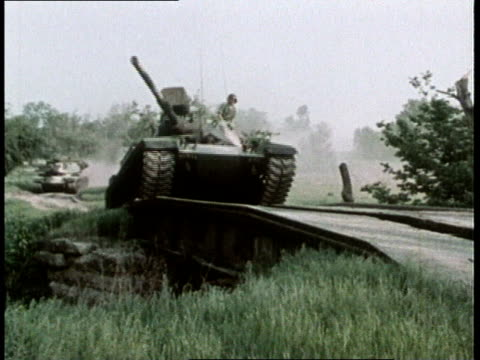 1980s MONTAGE tanks driving