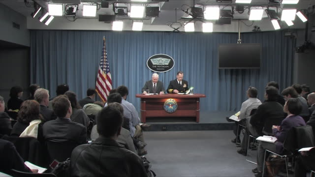 1feb2010 ws zi ms us defense secretary robert gates and joint chiefs of staff chairman michael mullen press conference on 2011 budget / alexandria... - joint chiefs of staff stock videos and b-roll footage