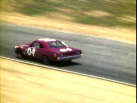 vidéos et rushes de jun-1971 montage stock cars racing, competing in winston golden state 400 at riverside international raceway / bobby allison racing '70 dodge, paul... - 50 secondes et plus