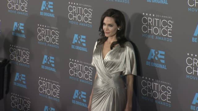 clean 20th annual critics' choice awards at hollywood palladium on january 15 2015 in los angeles california - mackenzie foy stock videos & royalty-free footage