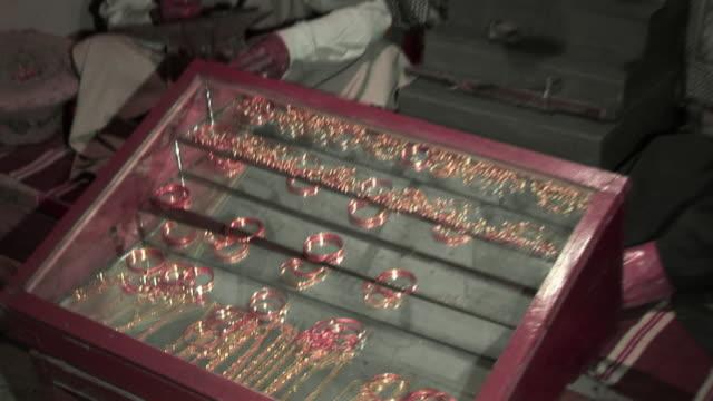 20th jul 2009 montage figures in baghdad wax museum / baghdad, iraq - skåp med glasdörrar bildbanksvideor och videomaterial från bakom kulisserna