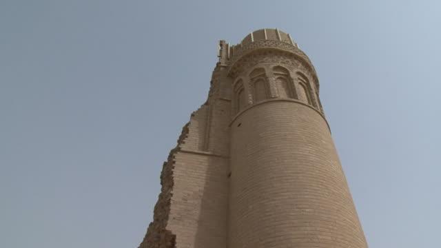 vídeos de stock, filmes e b-roll de 20th jul 2009 tower at al mustasrwyra, historic school built in 1233 / baghdad, iraq - madressa