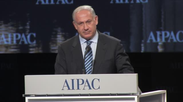 22mar2010 ms israeli prime minister benjamin netanyahu gives speech at aipac at washington convention center / washington dc - solo uomini maturi video stock e b–roll