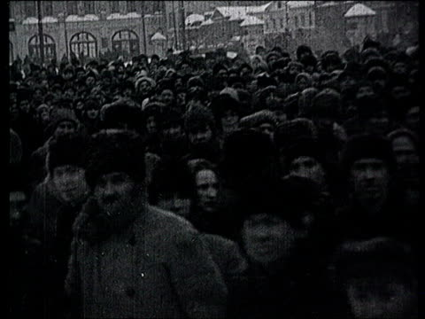 23jan1924 b/w montage lenin's funeral in moscow huge crowd chapel of rest crowd standing in line in streets to go to chapel of rest / moscow russia - 1924 stock videos & royalty-free footage