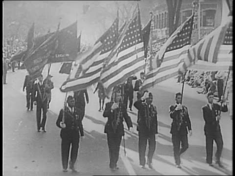23rd american legion convention's parade of states / new hampshire soldiers with sign reads 'land of scenic splendor' / massachusetts marches with... - festivalsflotte bildbanksvideor och videomaterial från bakom kulisserna