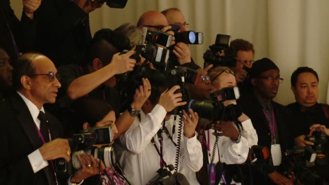 vídeos de stock, filmes e b-roll de atmosphere 23rd annual elton john aids foundation academy awards viewing party sponsored by chopard neuro drinks and wells fargo on february 22 2015... - festa do oscar