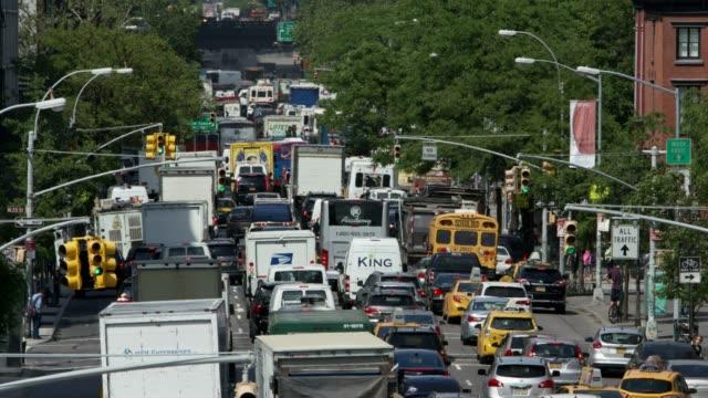 23rd street peak traffic - standbildaufnahme stock-videos und b-roll-filmmaterial