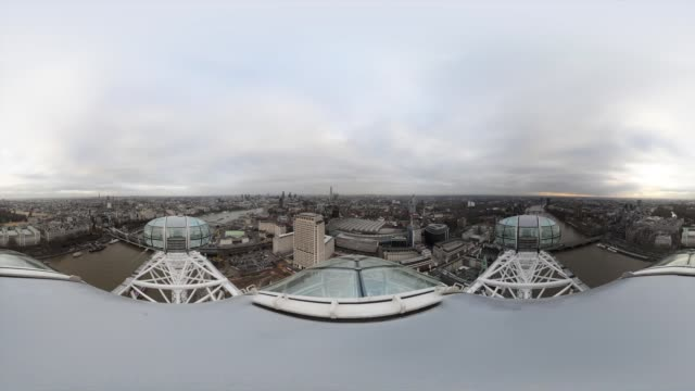 24hr TimeLapse of London from the London Eye