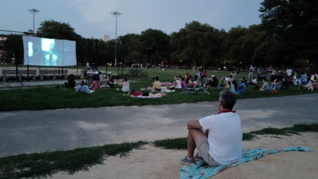 vidéos et rushes de 25th july 2020: the 56th night of the george floyd vigil at mccarren park included live afro-brazilian percussive music by mambembe, an outdoor... - projection de films