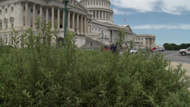 30jun2010 ws tu exterior of us capitol building from 'house triangle' paved area / washington dc united states / audio - building feature stock videos & royalty-free footage