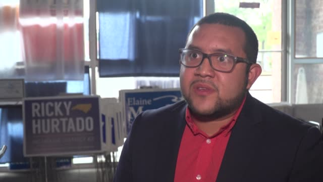 31yearold ricky hurtado whose parents fled el salvador in 1980 amid a civil war hopes to become the first latino democrat ever elected to the state... - carolina del nord stato usa video stock e b–roll