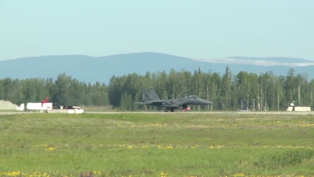 vidéos et rushes de 335th amu during exercise northern edge 2015 - manoeuvre militaire