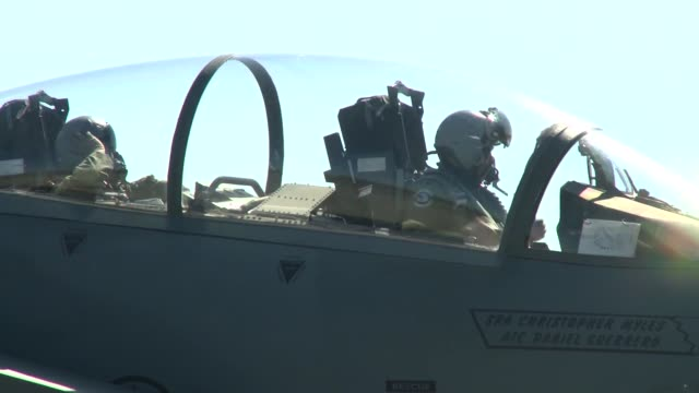 335th amu during exercise northern edge 2015 - esercitazione militare video stock e b–roll