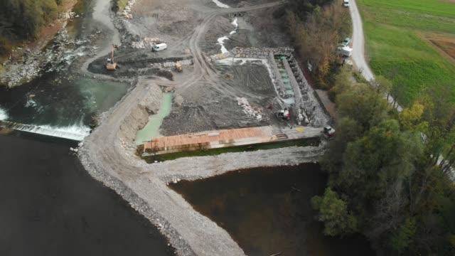 360-graders vy av dammen återuppbyggnad - damm människotillverkad konstruktion bildbanksvideor och videomaterial från bakom kulisserna