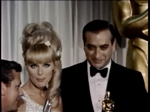 38th annual academy awards press room part-2 1966 backstage interviews, milton berle, phillis diller, don knotts, elke sommer. - フィリス ディラー点の映像素材/bロール