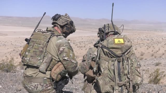 vídeos de stock, filmes e b-roll de 391st bold tigers pilots of the 366th fighter wing and weapons systems officers team up with joint terminal attack controllers during green flag west... - nellis air force base