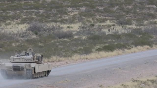 3rd armored brigade combat team, 1st armored division conducted iron focus 18.1 in orogrande, nuevo mexico. - 戦隊点の映像素材/bロール