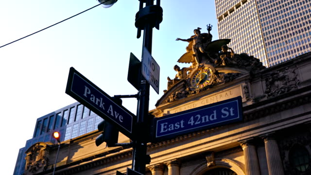 42nd street and park avenue sign - international landmark stock videos & royalty-free footage