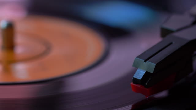 45rpm record spinning on a turntable. - pop music stock videos & royalty-free footage