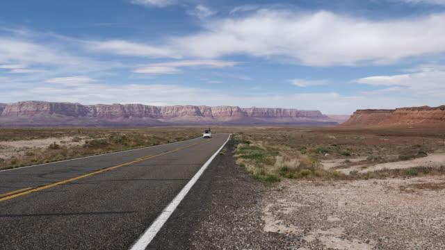 4k 10bit car travelling on highway 89 leading to page, arizona, usa near antelope pass - ferro di cavallo accessorio per animali video stock e b–roll