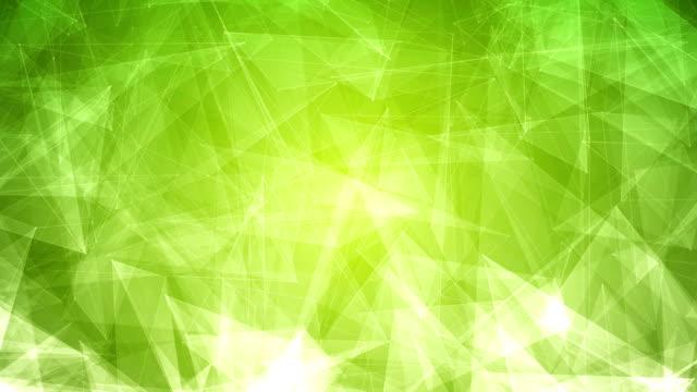 vídeos de stock, filmes e b-roll de 4k abstrato brilhante futurista, rede, tecnologia, ciência, celebração geométricas loopable plano de fundo verde com triângulos - articulação facetária