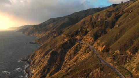 vídeos y material grabado en eventos de stock de video aéreo 4k-big sur costa california - coastline