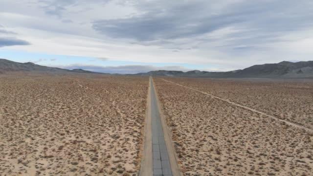 4k aerial video-desert death valley - death valley nationalpark stock-videos und b-roll-filmmaterial