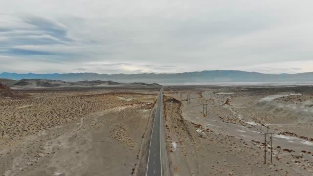 4k aerial video-desert death valley - death valley stock-videos und b-roll-filmmaterial