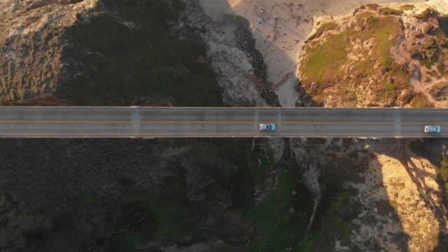video aereo 4k - vista dall'alto - big sur coastline california - valle video stock e b–roll
