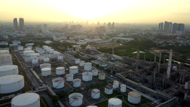 4k aerial view of large oil refinery facilities in asia - pipeline stock videos and b-roll footage