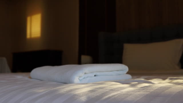 4k: Dolly shot movement of bedroom