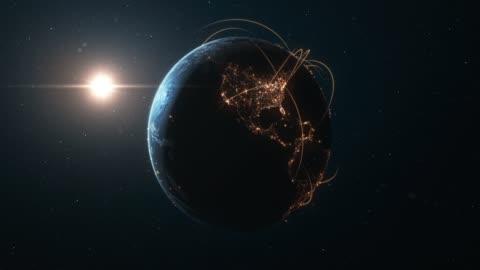 vídeos y material grabado en eventos de stock de 4k earth con líneas de conexión (zoom in)-rutas de red/vuelos internacionales - imagen generada digitalmente