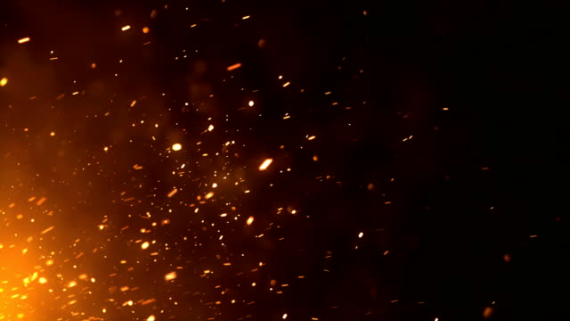 vídeos de stock e filmes b-roll de 4k fire sparks - loop (horizontal movement) - inferno fogo