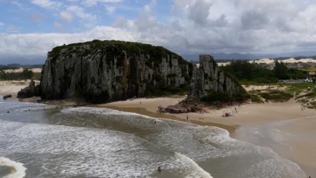 4k footage of praia da guarita, torres, rs, brazil - stato di rio grande do sul video stock e b–roll