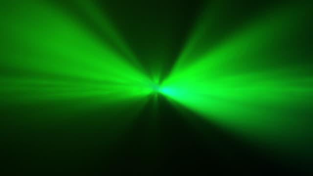 stockvideo's en b-roll-footage met 4k groene abstracte laser spotlight achtergrond - laser