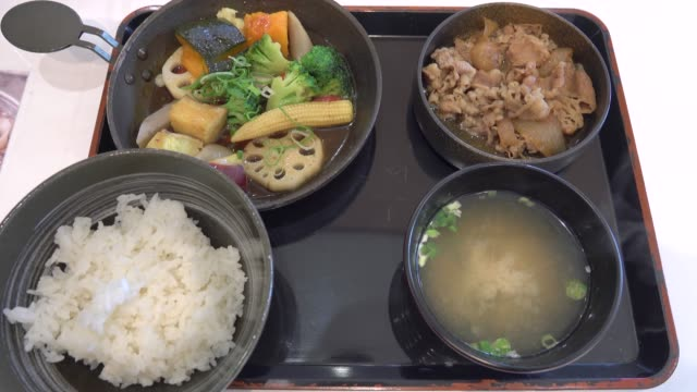 vídeos de stock, filmes e b-roll de 4k: comida japonesa - comida japonesa