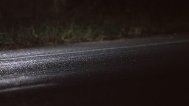 stockvideo's en b-roll-footage met 4k joggen en lopers benen. - sporttrack