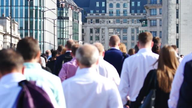 4k london bridge, movement of business people in office building zone, london, england - tower bridge stock videos & royalty-free footage