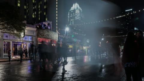 vídeos y material grabado en eventos de stock de uhd 4k noche tiempo lapso austin, texas usa - austin texas