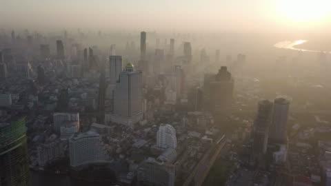 4 k upplösning flygfoto över vacker morgon solljus på bangkok city, thailand - bangkok bildbanksvideor och videomaterial från bakom kulisserna
