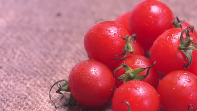 4k rotate of tomato salad with water dew. - tomato salad stock videos & royalty-free footage