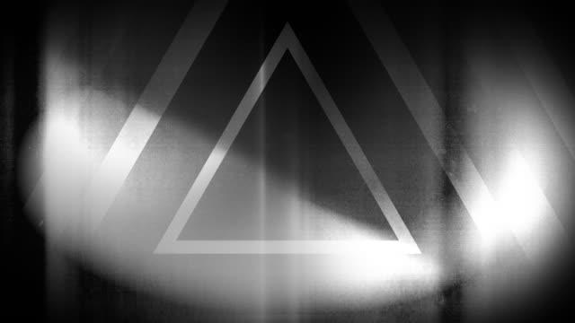 vidéos et rushes de 4k seamless pattern de haute contraste bizarre et grungy triangles noirs et blancs sans fin tunnel vidéo de fond - party social event